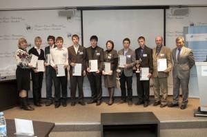Участники конкурса научно-инновационных проектов Siemens вместе с научными руководителями
