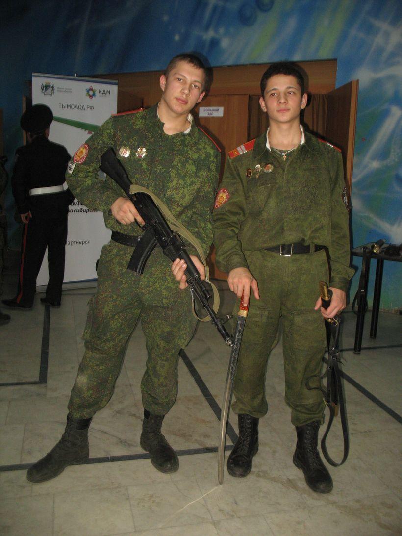 Фото парней в форме военной фото 240-533