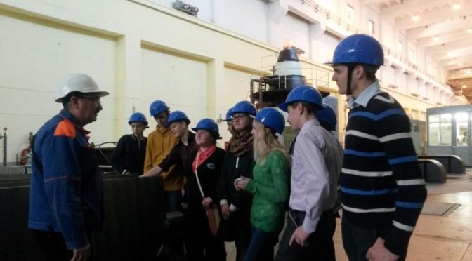 Ученики энергокласса РусГидро посетили Новосибирскую ГЭС