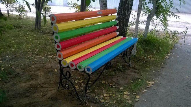 В Советском районе появилась еще одна арт-лавочка